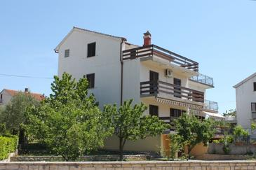 Biograd na Moru, Biograd, Property 4302 - Apartments with pebble beach.