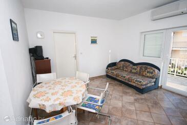 Biograd na Moru, Living room in the apartment, dostupna klima, dopusteni kucni ljubimci i WIFI.
