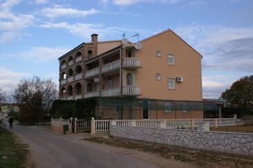 Biograd na Moru, Biograd, Property 4305 - Apartments and Rooms with sandy beach.