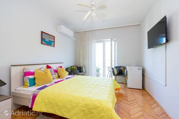 Pašman, Ložnice v ubytování typu room, WiFi.