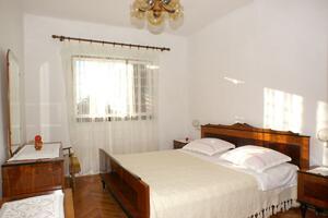 Apartmaji ob morju Rogoznica - 4313