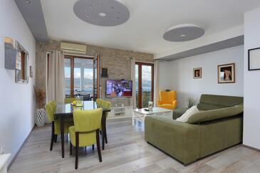 Mastrinka, Salon dans l'hébergement en type apartment, animaux acceptés et WiFi.