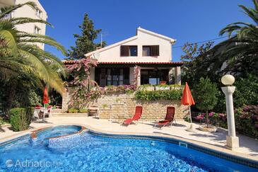 Seget Vranjica, Trogir, Объект 4329 - Дом для отдыха вблизи моря.