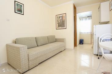 Podgora, Obývací pokoj v ubytování typu apartment, domácí mazlíčci povoleni a WiFi.