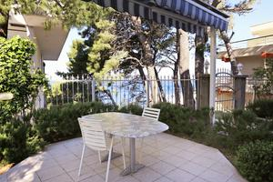 Apartments by the sea Podgora, Makarska - 4330