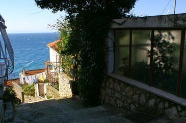 Podgora, Makarska, Obiekt 4331 - Willa przy morzu ze żwirową plażą.