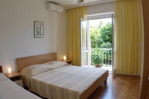 Apartments by the sea Podgora, Makarska - 4332