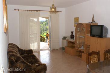 Lumbarda, Living room in the apartment.