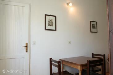 Korčula, Dining room in the studio-apartment.