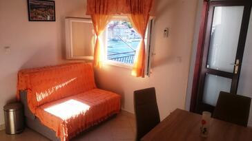 Račišće, Jedáleň v ubytovacej jednotke apartment, dostupna klima.