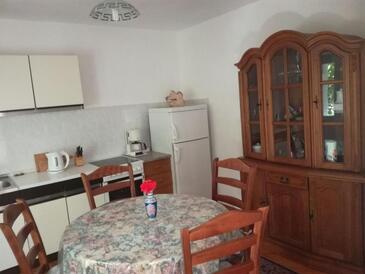 Lumbarda, Jedáleň v ubytovacej jednotke apartment, WIFI.