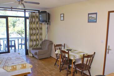 Lumbarda, Jedáleň v ubytovacej jednotke studio-apartment, WIFI.