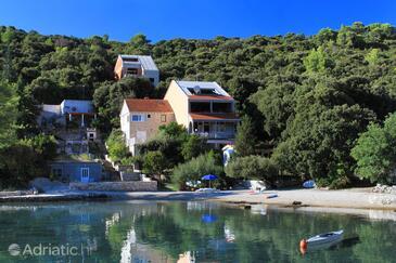 Uvala Vrbovica, Korčula, Property 4390 - Apartments near sea with pebble beach.