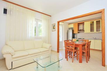 Korčula, Living room in the apartment, dopusteni kucni ljubimci.
