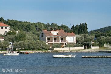Lumbarda, Korčula, Property 4392 - Apartments near sea with pebble beach.