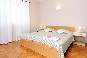 Lumbarda, Bedroom in the room, dostupna klima i WIFI.