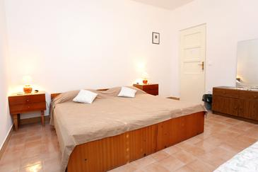 Lumbarda, Bedroom in the room, WIFI.