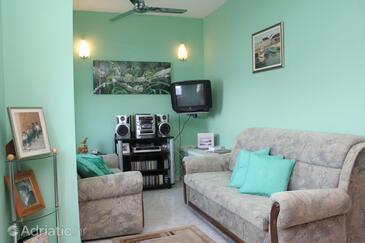 Račišće, Living room in the apartment, dopusteni kucni ljubimci i WIFI.