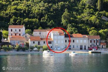 Račišće, Korčula, Property 4408 - Apartments near sea with pebble beach.