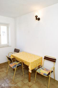 Lumbarda, Dining room in the apartment, (pet friendly) and WiFi.