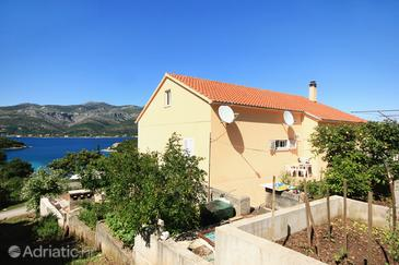 Uvala Vrbovica, Korčula, Property 4423 - Apartments with pebble beach.
