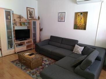 Brna, Obývací pokoj v ubytování typu apartment, s klimatizací a WiFi.