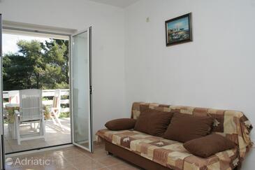 Žrnovska Banja, Obývací pokoj v ubytování typu apartment, s klimatizací, domácí mazlíčci povoleni a WiFi.