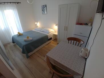 Sali, Dining room in the studio-apartment, WIFI.