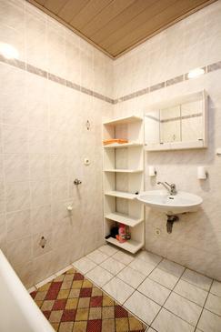 Bathroom 2   - A-4440-e