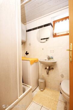 Bathroom 2   - A-4440-f