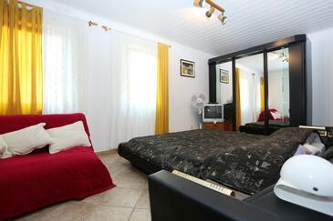 Lumbarda, Schlafzimmer in folgender Unterkunftsart room, Haustiere erlaubt und WiFi.
