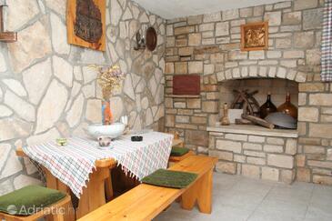 Lumbarda, Dining room in the house, dostupna klima i WIFI.