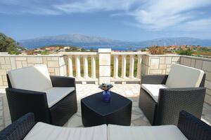 Apartments with a parking space Lumbarda (Korčula) - 4447