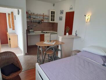 Lumbarda, Cucina nell'alloggi del tipo studio-apartment, WiFi.