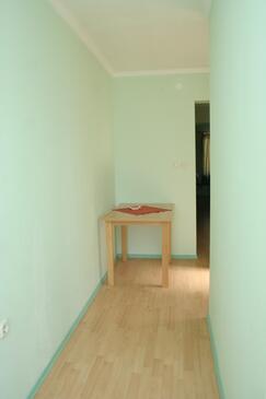 Prižba, Jídelna v ubytování typu apartment, domácí mazlíčci povoleni.