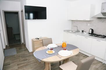 Zavalatica, Столовая в размещении типа apartment, доступный кондиционер и WiFi.