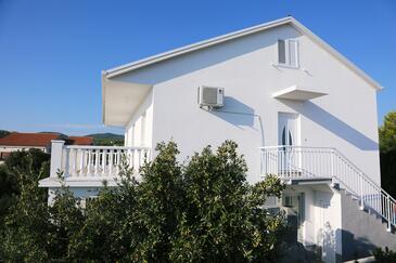 Zavalatica, Korčula, Hébergement 4459 - Appartement avec une plage de galets.