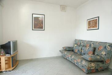 Črnja Luka, Obývací pokoj v ubytování typu apartment, s klimatizací a WiFi.