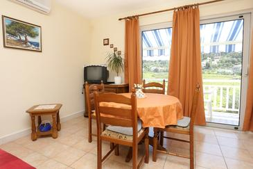 Lumbarda, Dining room in the apartment, air condition available.
