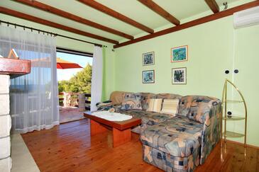 Brna, Гостиная в размещении типа apartment, доступный кондиционер.