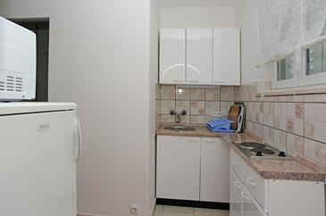 Zavalatica, Kitchen in the studio-apartment, dopusteni kucni ljubimci i WIFI.