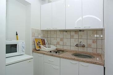Zavalatica, Kitchen in the studio-apartment, dopusteni kucni ljubimci i WIFI.
