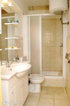 Bathroom    - K-4489