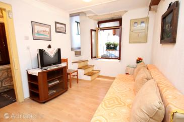 Korčula, Living room in the house, (pet friendly) and WiFi.