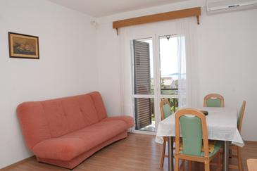 Orebić, Jadalnia w zakwaterowaniu typu apartment, dostupna klima i WIFI.