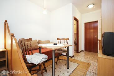 Orebić, Jídelna v ubytování typu studio-apartment, WiFi.