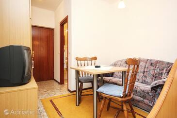 Orebić, Sala da pranzo nell'alloggi del tipo studio-apartment, WiFi.