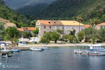 Trstenik, Pelješac, Property 4511 - Apartments near sea with pebble beach.