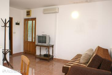 Trstenik, Living room in the apartment, air condition available and WiFi.