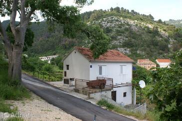 Trstenik, Pelješac, Hébergement 4512 - Appartement à proximité de la mer avec une plage de galets.
